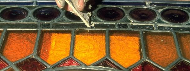 Das Verglasen von Bleisprossen