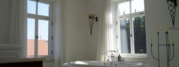 Badewanne am Fenster