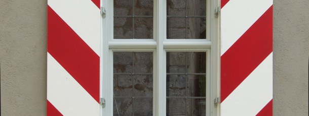 Kreuzstock+gestreifte Läden entzerrt